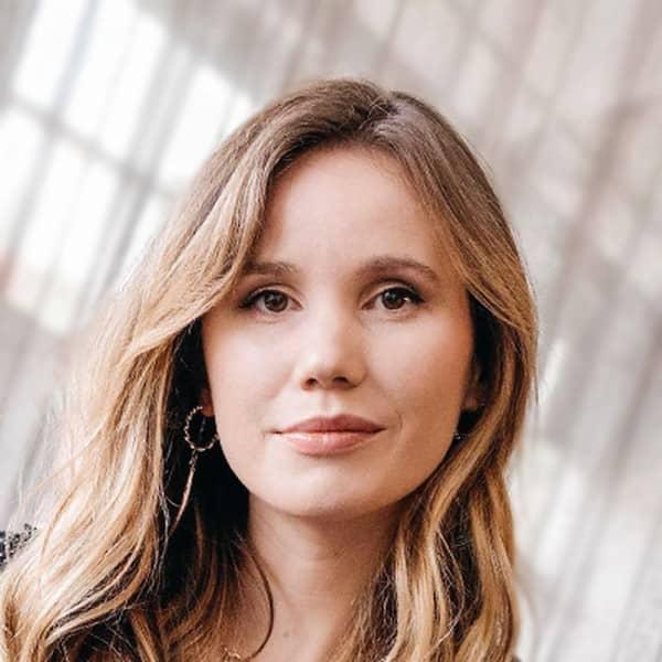 Lucinda Starr